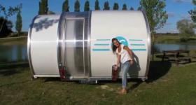 Kleines Raumwunder - Ausziehbarer Wohnwagen verdreifacht Wohnbereich