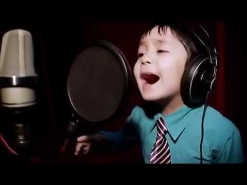 """Amazing 4 Years Old Sings """"I WILL ALWAYS LOVE YOU"""" by Whitney Houston"""