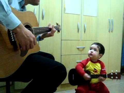 Don't Let Me Down - The Beatles, por Diogo Mello (1 ano e 11 meses)